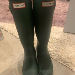 Never worn green hunter boots!!